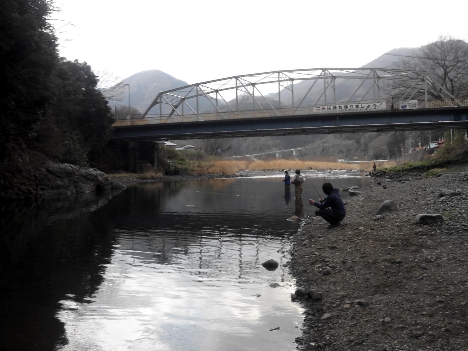 午後から近所の川へ