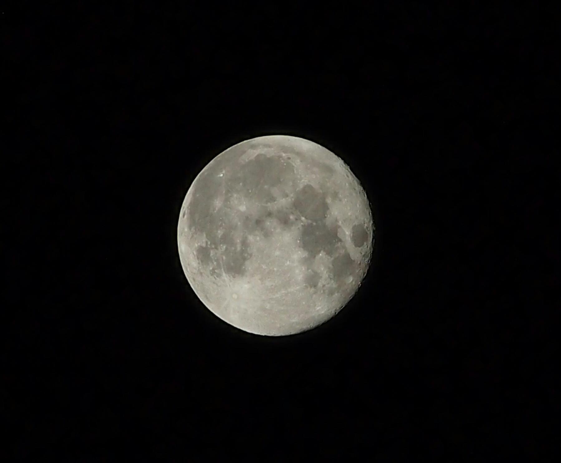 E-P3で月を撮る