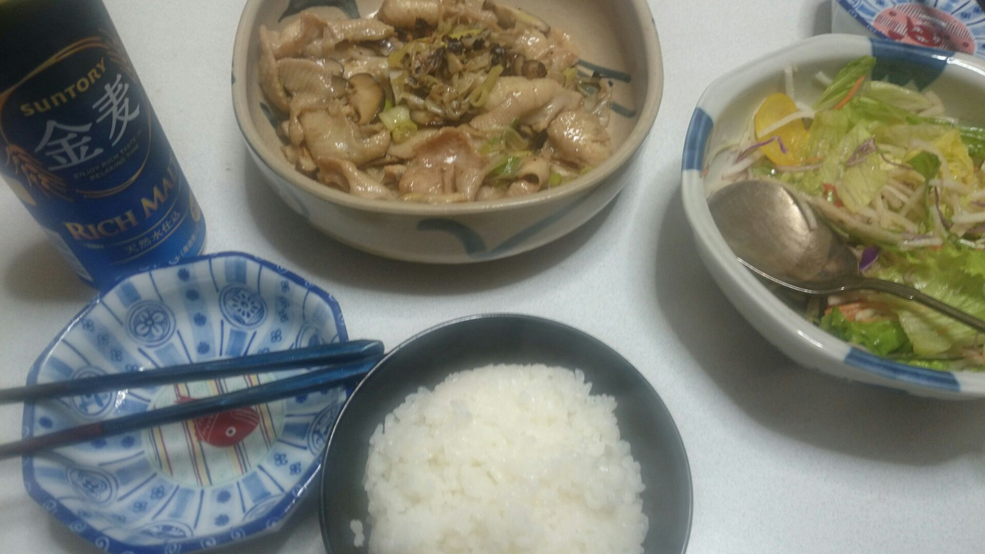 鶏皮とネギと椎茸の中華炒め
