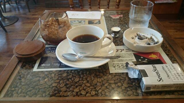 喫茶「ポエム」にて