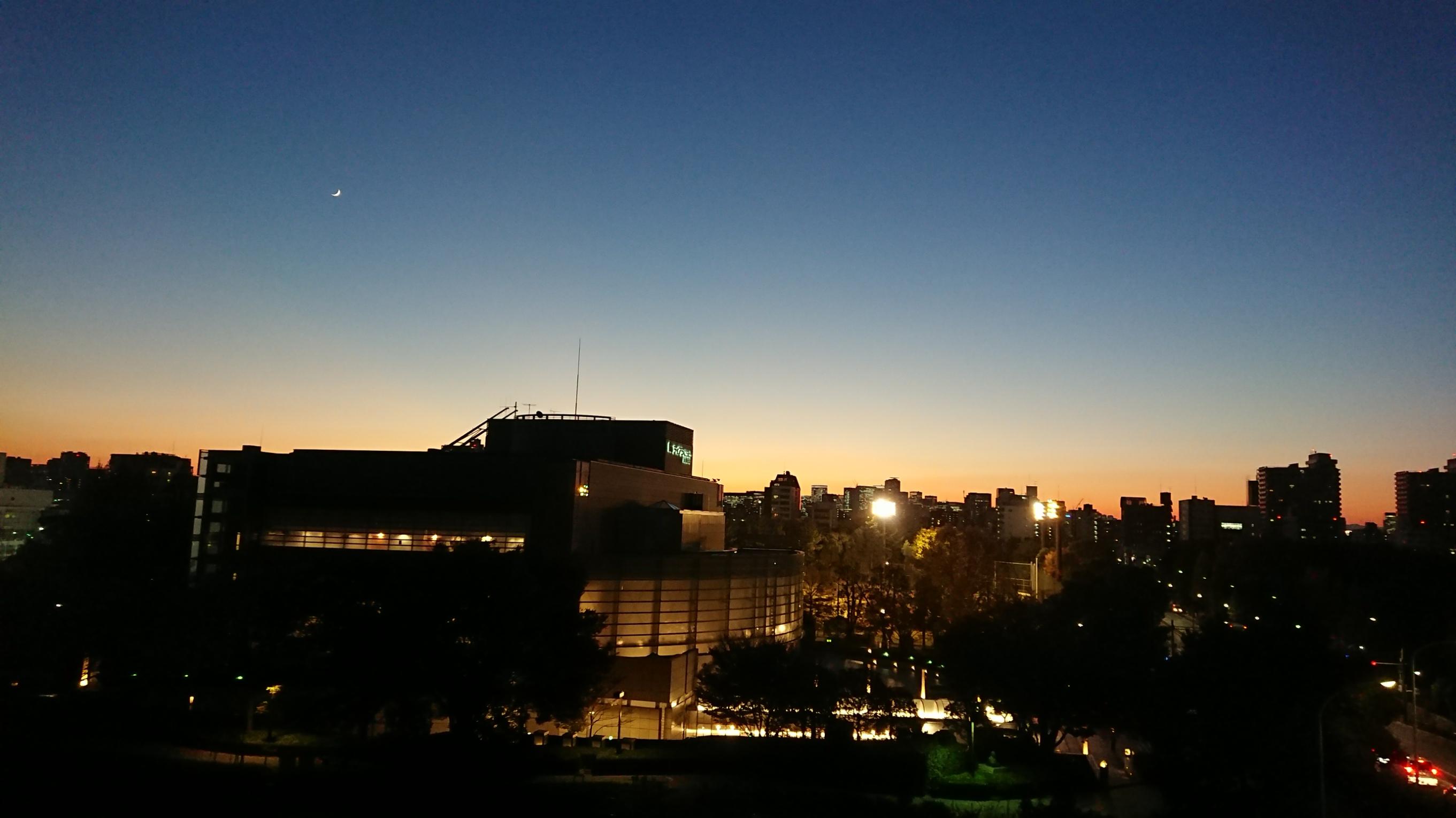 現場からの夕景